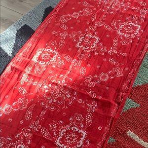 Gap   Pink/red bandana print scarf